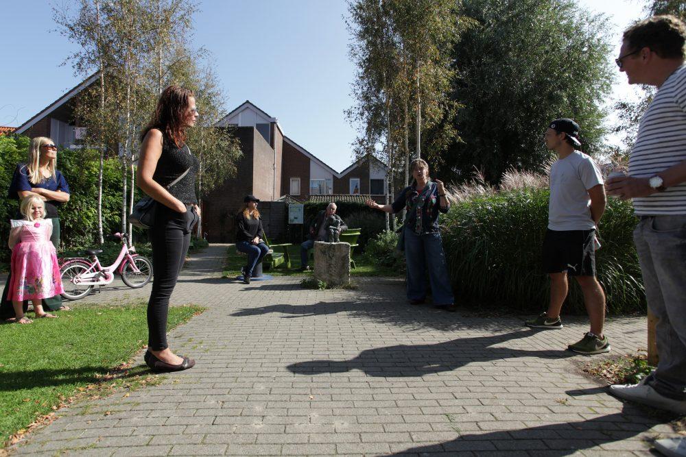 Terugblik nazomerse opschoondag - plantenbakken zijn aangepakt